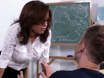 Ms. Avluv is appauled at the lack of studying that jock, Danny, is doing. She doesn't understand how he's passing any of his classes with al