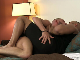 MenOver30 - Sean Harding Gifts Hard Cock to New Boyfriend