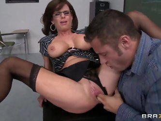Passionate teacher Veronica Avluv knows how to make her students obey her. She demonstrates her naughty pupil big tits and he promises to do homework