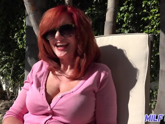 Sexy MILF with huge cellulite covered thighs loves to fuck younger men