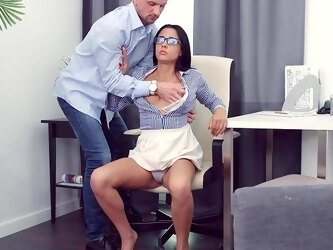Busty beauty Chanel Lux gets her lady bits filled and drilled