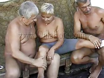 These two old farts where looking in a porn magazine when granny Heidrun caught them. As long they were all there they've began fucking and forme