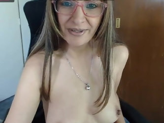 Mature webcam masturbation.