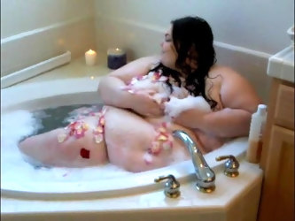 ssbbw in bath with petals