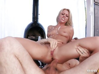 Erik goes wilt with this beauty, seeing such a gorgeous ass and pretty face he fucks Zoey like a pro. She loves the way he drills her pussy from behin