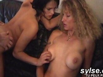 Teens trying public sex with mom