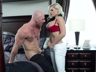 Before letting her go off to work, this muscular husband wants to fuck his wife properly. He loves banging her eager pussy every day, and this morning
